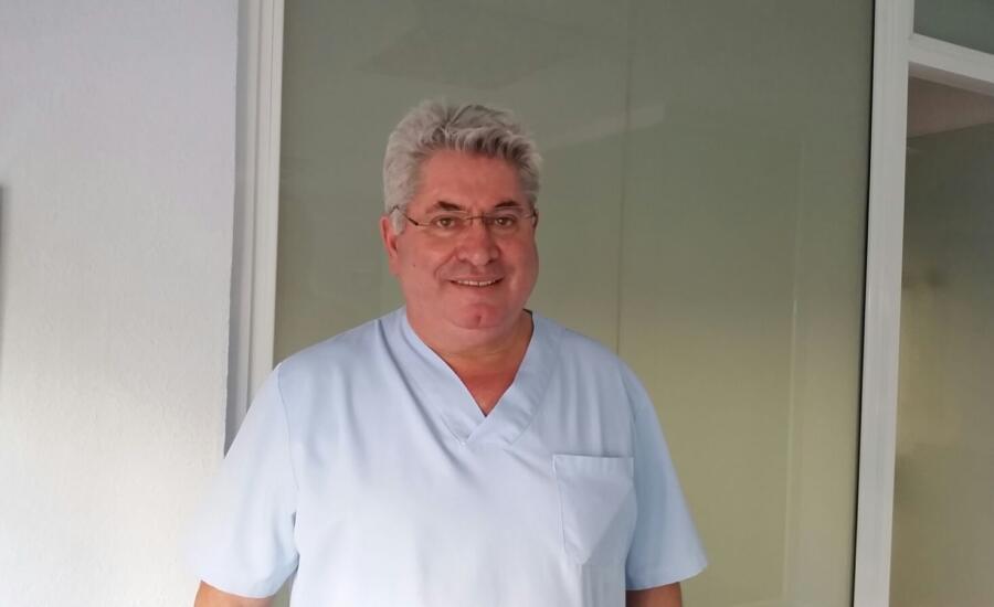 Dr. Antonio Ortiz especialista en cirugía ortognática