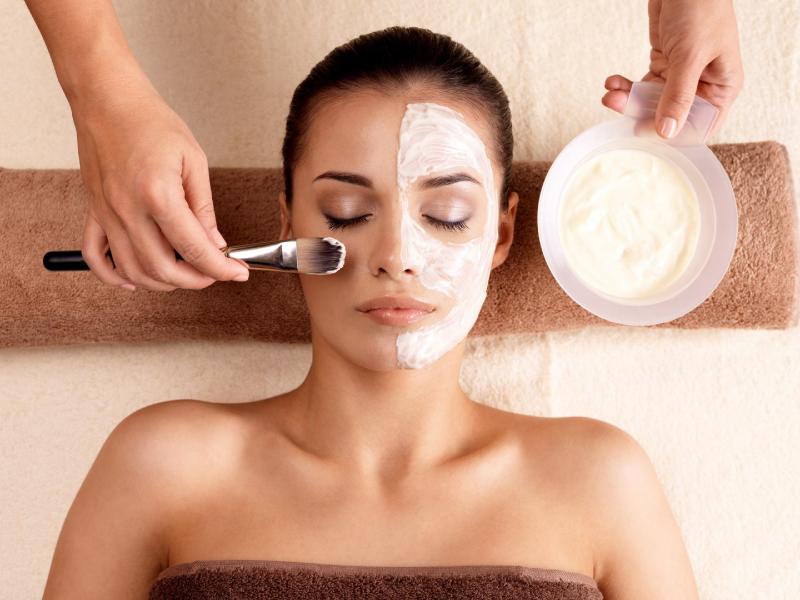 beneficios del tratamiento de peeling facial